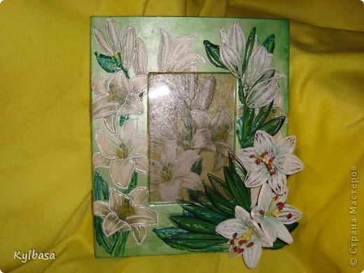 Вот такую рамку для фотографии 10Х15 я смастерила, исполльзуя технику декупажа, квиллинга и росписи контурами. фото 2