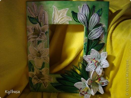 Вот такую рамку для фотографии 10Х15 я смастерила, исполльзуя технику декупажа, квиллинга и росписи контурами. фото 6