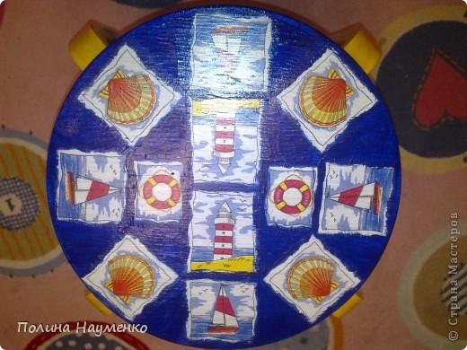 На работу со стульями вдохновила вот эта работа http://stranamasterov.ru/node/155621 фото 1