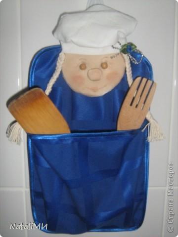 Веселое настроение на кухне можно создать с помощью таких прихваток-поварят. фото 6