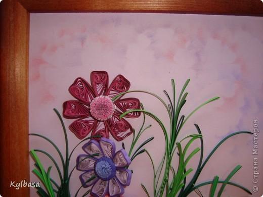 Космеи - первые цветы в технике квиллинг, которые я увидела в Стране Мастеров.  Так они из головы у меня  и не  выходили. Очень хотелось попробовать свои силы в изготовлении этих нежных цветов.  фото 5