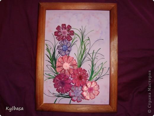 Космеи - первые цветы в технике квиллинг, которые я увидела в Стране Мастеров.  Так они из головы у меня  и не  выходили. Очень хотелось попробовать свои силы в изготовлении этих нежных цветов.  фото 7