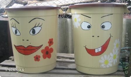 Вот так преобразила мусорные баки дочь. фото 1