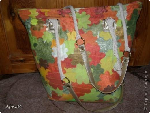 Вот такую пляжную сумку в технике пэчворк сделала моя мама!