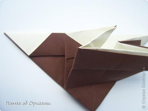 Наш сказочный щенок будет жить в корзинке сложенной в технике оригами, как и он сам.  Идея его создания забавного песика принадлежит Эдвину Кови, а вот корзинку придумал Альдо Патиниьяно. фото 46