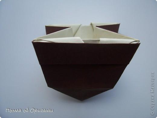 Наш сказочный щенок будет жить в корзинке сложенной в технике оригами, как и он сам.  Идея его создания забавного песика принадлежит Эдвину Кови, а вот корзинку придумал Альдо Патиниьяно. фото 49