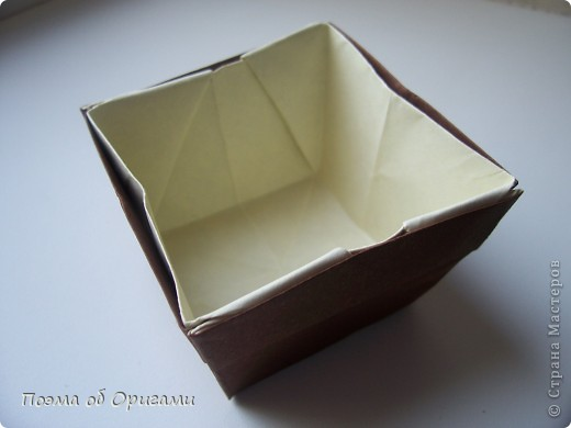 Наш сказочный щенок будет жить в корзинке сложенной в технике оригами, как и он сам.  Идея его создания забавного песика принадлежит Эдвину Кови, а вот корзинку придумал Альдо Патиниьяно. фото 51