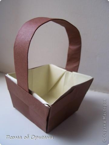 Наш сказочный щенок будет жить в корзинке сложенной в технике оригами, как и он сам.  Идея его создания забавного песика принадлежит Эдвину Кови, а вот корзинку придумал Альдо Патиниьяно. фото 58