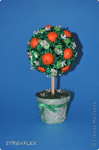 Вот представляю на ваш суд мое первое дерево сделанное на заказ!!! До этого все мои деревья расходились на подарки друзьям и родственникам. А это уже моя подруга заказала мне это дерево для на свадьбу для своей сестры. фото 16