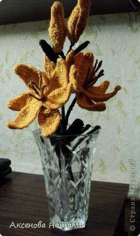 Вязаные лилии фото 2