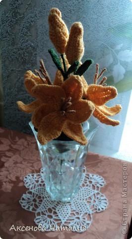 Вязаные лилии фото 4