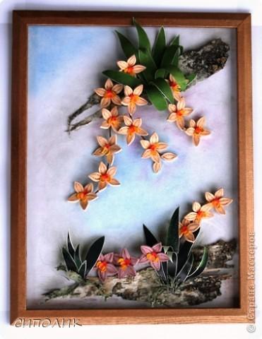 Ночь благополучно закончилась, луна ушла на покой, в тропиках наступило утро.... А орхидеи продолжают цвести и радовать нас своей красотой. Эту работу я сделала в подарок своей любимой крестнице. Помните, в прошлом году для неё я делала клематисы?  Надо сказать,что они весь год честно занимали самое видное место в квартире.Интересно займут ли это место орхидеи? Посмотрим. фото 5