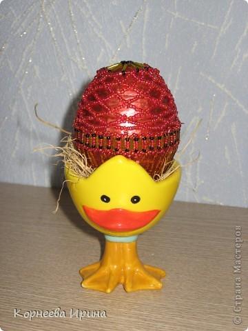 в основе этого яйца-свечка с подставкой, вот я решила оплести его бисером фото 1