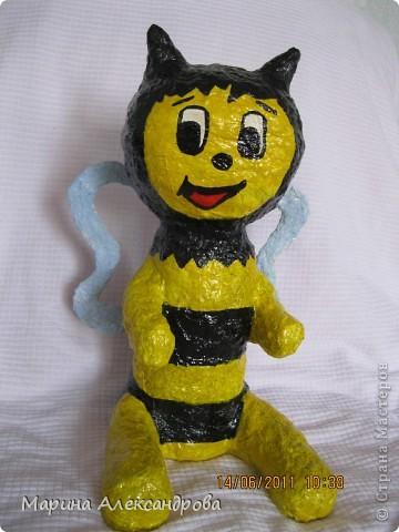 надувная игрушка сына вдохновила на создание такой вот пчелки... фото 2