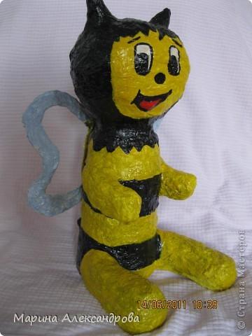 надувная игрушка сына вдохновила на создание такой вот пчелки... фото 3