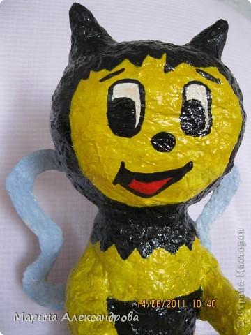 надувная игрушка сына вдохновила на создание такой вот пчелки... фото 1