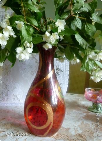 вот так смотрится ваза с водой и жасмином фото 1
