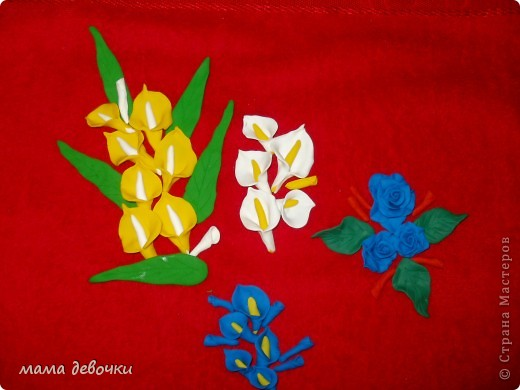 мои любимые розы и пробные каллы! лепила из пластики цветик (запекаемая) и развивашка (самозатвердевающая), заготовки для декора бутылочек. фото 3