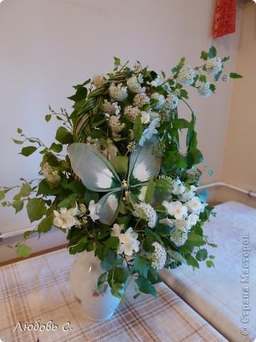 Букет сделан из садовых цветов на день рождение. фото 2