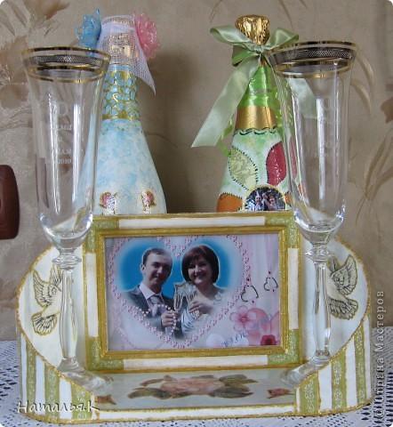 19 июня у моих детей ситцевая свадьба. 1 год вместе. Мне захотелось ко всем подаркам что-то сделать и своими руками. Вот такой наборчик подарков получился. Выставляю на ваш суд. фото 1