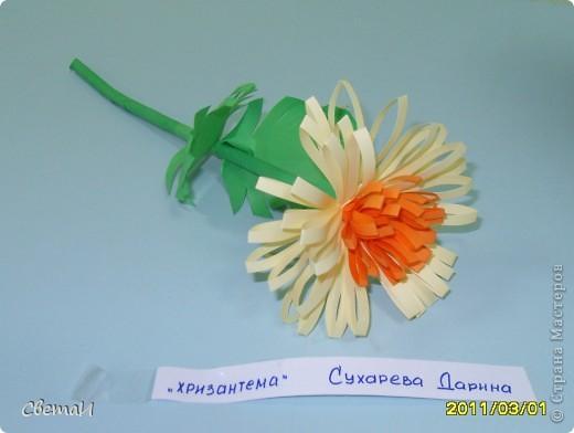 В канун 8 марта детям 4-5 лет и их родителям было предложено смастерить цветы. Посмотрите, какие мастера посещают мою группу МДОУ.  Гвоздики (семья Тополовых). фото 4