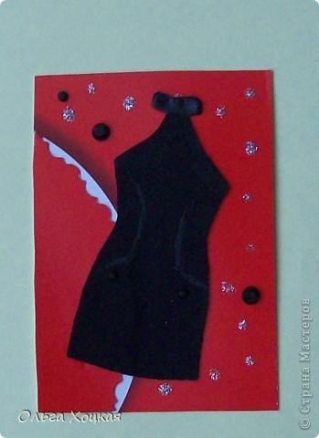 Давно заглядывалась на Ваши платьица, и вот тоже решилась попробовать. Маленькое черное платье для коктейля. Сейчас лето, отпуска и для романтического вечера - коротенькое, легенькое платье из черного шелка. Фасоны разные, но право первого выбора у тех, кому я должна Nataliasanna и ...КсЮша... фото 6