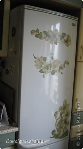 """Мой холодильник по цветовой гамме """"выбивался"""",решила его облагородить.Заодно и на хлебопечку хватило. фото 3"""