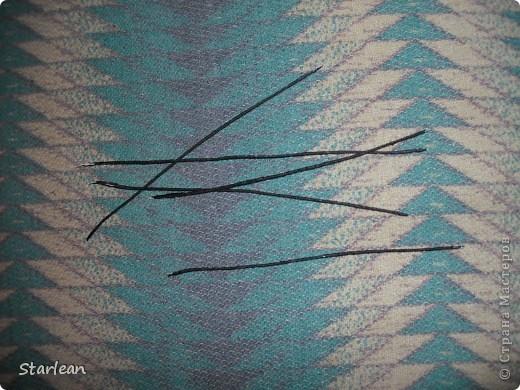 нам понадобиться: - ткань креп-сатин - гипюр -термолента(метражная для подшива брюк) - кусочек ткани для середки - проволока - гофр.бумага -клей ПВА - маркер черный фото 4