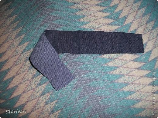 нам понадобиться: - ткань креп-сатин - гипюр -термолента(метражная для подшива брюк) - кусочек ткани для середки - проволока - гофр.бумага -клей ПВА - маркер черный фото 5