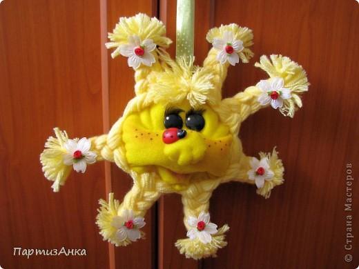 Солнышко, получившееся сегодняшним тёплым летним днём. Большущее спасибо Лене-pawy за прекрасный МК. фото 1