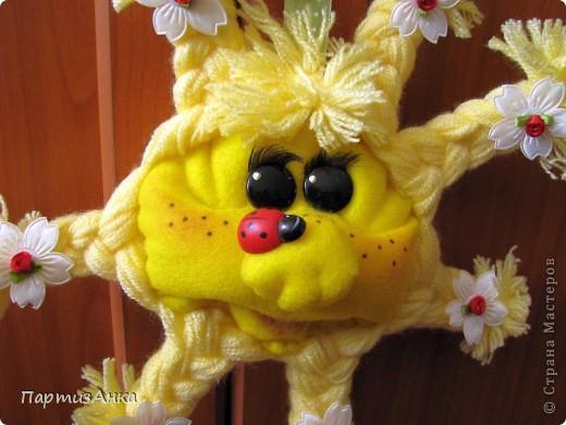 Солнышко, получившееся сегодняшним тёплым летним днём. Большущее спасибо Лене-pawy за прекрасный МК. фото 2
