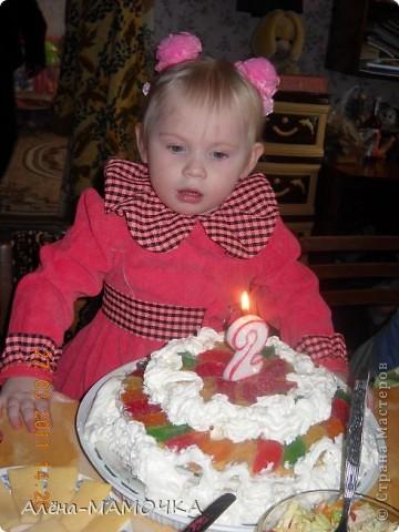 Торт, вкуснятина!!! Вот такой торт я испекла на 2 годика своей любимой дочке. фото 2