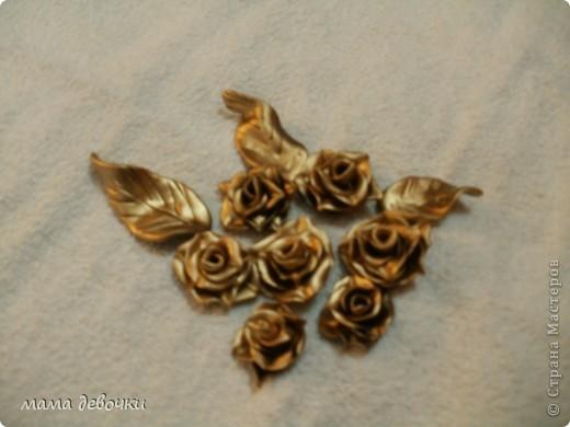 мои любимые розы и пробные каллы! лепила из пластики цветик (запекаемая) и развивашка (самозатвердевающая), заготовки для декора бутылочек. фото 4