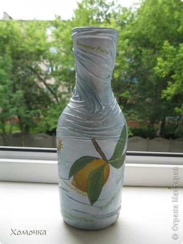 Я в прошлый раз сделала вазочку из бутылки и подарила сотруднице. Теперь мне натащили вагон стеклотары всех видов и просят что-то подобное. Вот я и сотворила несколько экземпляров. Тем более, что не было выхода в Интернет и высвободилось много свободного времени. фото 9