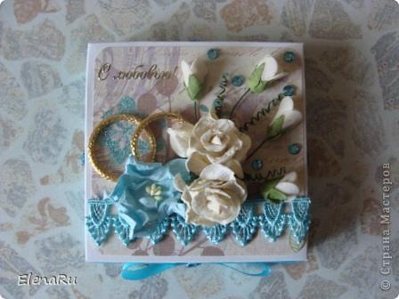 Сходила соседка на свадьбу, подарила свадебную коробочку (http://stranamasterov.ru/node/203315) и когда ее увидели гости, то сразу же захотели еще на одну свадьбу подарить такую же! Клонировала коробочку я полностью, только цвет другой фото 5