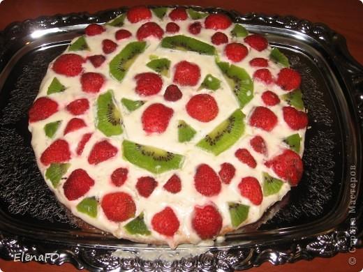 Вот такой легкий тортик получился у меня вчера вечером. Рецепт отсюда http://stranamasterov.ru/node/203068?c=favorite фото 2