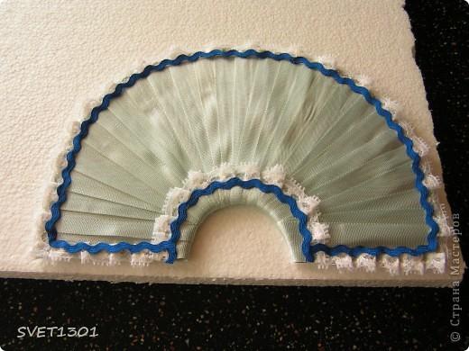 Давно не делала МК и решила исправить этот простой. Вот такой букет цветов я слепила из самодельного ХФ. На сайте флористов увидела букет для невесты оформленный как веер. И решила сделать свою упаковку для цветов в виде веера. Собственно в МК я и расскажу как я делала свой веер.  фото 8