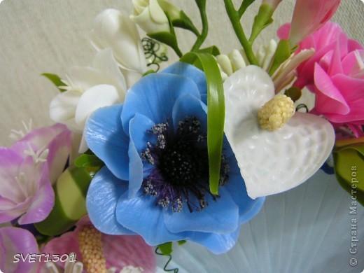 Давно не делала МК и решила исправить этот простой. Вот такой букет цветов я слепила из самодельного ХФ. На сайте флористов увидела букет для невесты оформленный как веер. И решила сделать свою упаковку для цветов в виде веера. Собственно в МК я и расскажу как я делала свой веер.  фото 14