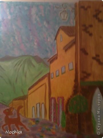 Работаю на севере, когда вокруг одни снега, всегда хочется немного солнца и ярких красок, особенно в комнате где живут молодые девушки. Рисовала на стене в общижитие, подарок для соседки по комнате. фото 3
