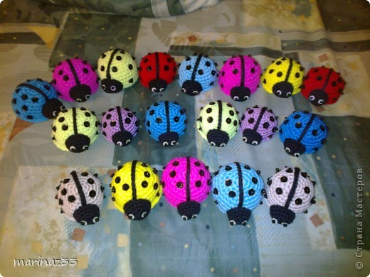 Это мои Коровки. Схему брала на http://www.liveinternet.ru/users/2952165/post106804699/. Вязала с остатков пряжи. Несколько штук уже продала, хотя не думала, что кто-нибудь будет покупать. фото 1