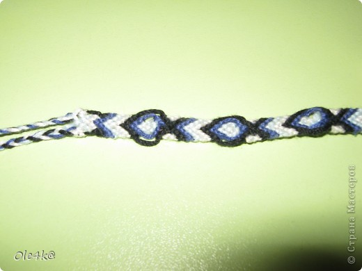 фенечки из мулине  браслет дружбы (косое плетение) фото 4