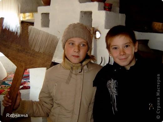 Это  наша вторая экскурсия в Петропавловский краеведческий  музей с отделом  под открытым  небом.  Все  начиналось  с уголка в кабинете  истории  у  увлеченного  учителя Бахмацкого  Николая Моисеевича, затем им выделили  уголок в этом  старинном  здании. Теперь  музей имеет свой  статус, сотрудников. фото 13