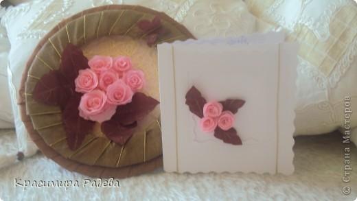 Ето моето най-ново творение- пано и картичка . Подарък за добра приятелка. Розите са правени по МК на aziL . Фотографирах много набързо и качеството не е много добро. фото 1