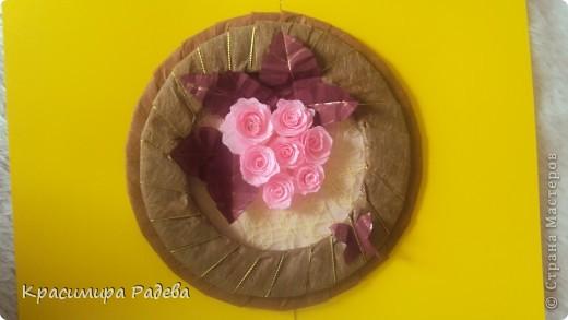 Ето моето най-ново творение- пано и картичка . Подарък за добра приятелка. Розите са правени по МК на aziL . Фотографирах много набързо и качеството не е много добро. фото 4