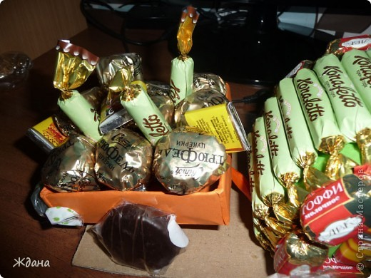 Конфетный подарочек первокласснику на окончание первого учебного года:) фото 4