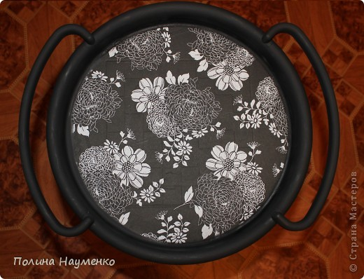 Раньше это был простой столик из коричневой пластмассы... фото 1