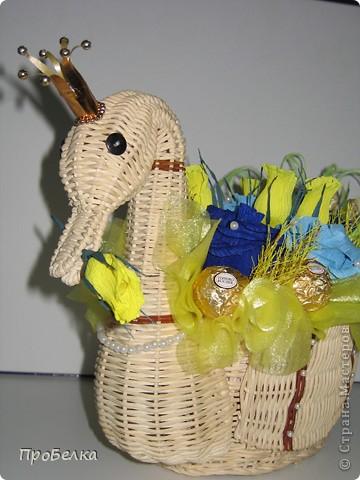 """Моя новая поделка, в корзинке """"лебедь"""". Изготавливалась в подарок на юбилей.  фото 2"""