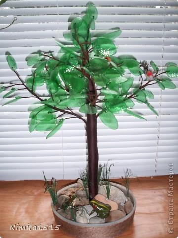Дерево из пластиковой бутылки и бисера фото 3
