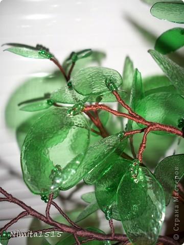 Дерево из пластиковой бутылки и бисера фото 6