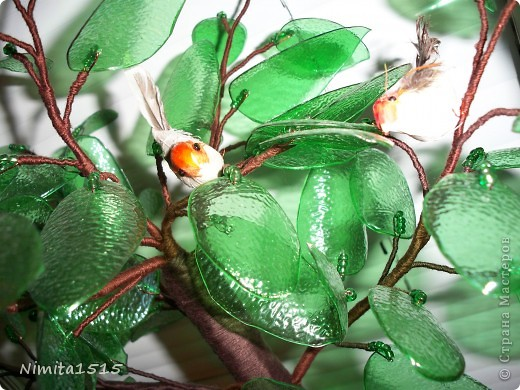 Дерево из пластиковой бутылки и бисера фото 7